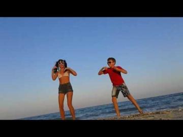 Dancing Las Ketchup :)
